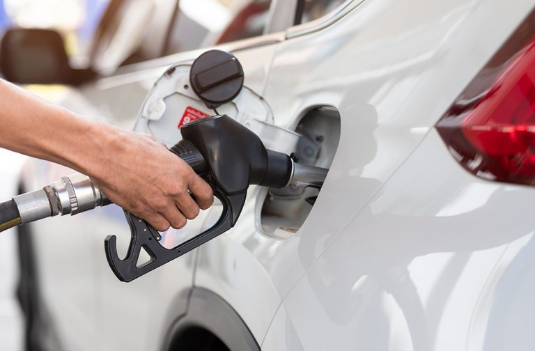 Read more about the article 9 WAYS TO SAVE FUEL ON YOUR EVERYDAY DRIVES